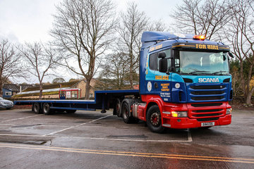 Scania - 44t artic with tag axle.